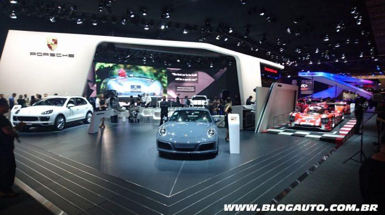 Estande da Porsche no Salão do Automóvel