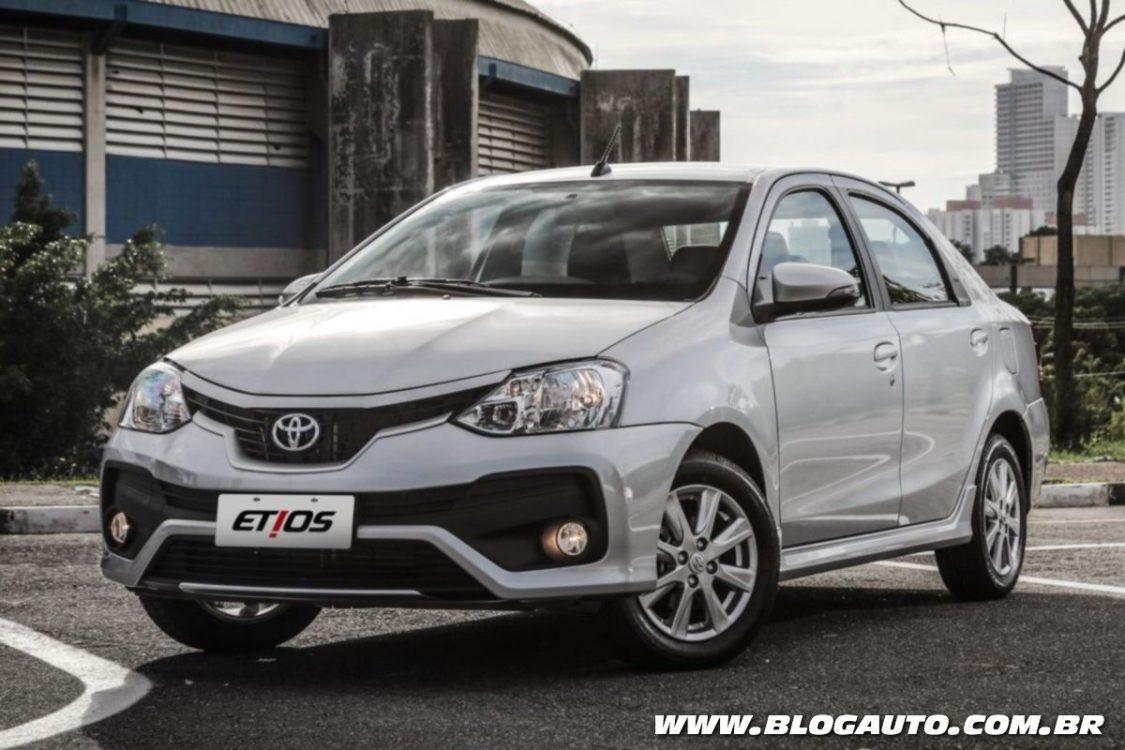 Toyota Etios 2018 J 225 Traz Mudan 231 As No Visual Blogauto