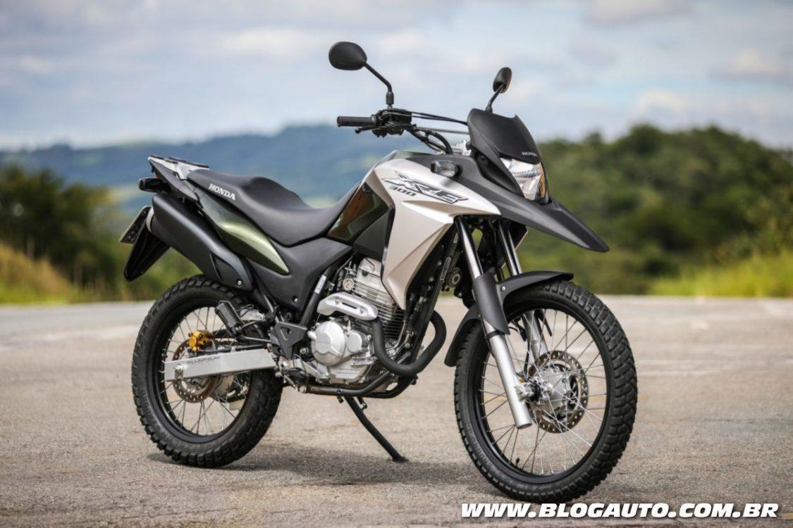 Honda XRE 300 2018 traz apenas aumento de preços