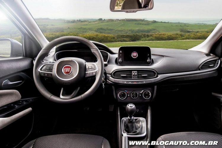 Interior do Fiat Tipo 2017
