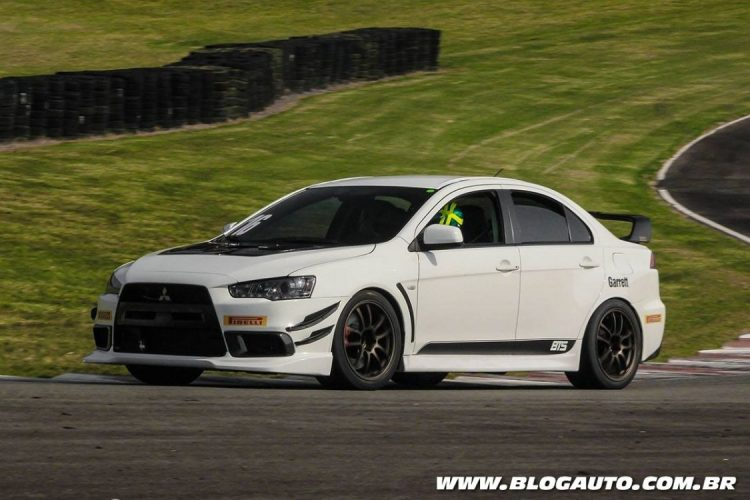 Mitsubishi Lancer Evolution X preparado pela BTS Performance