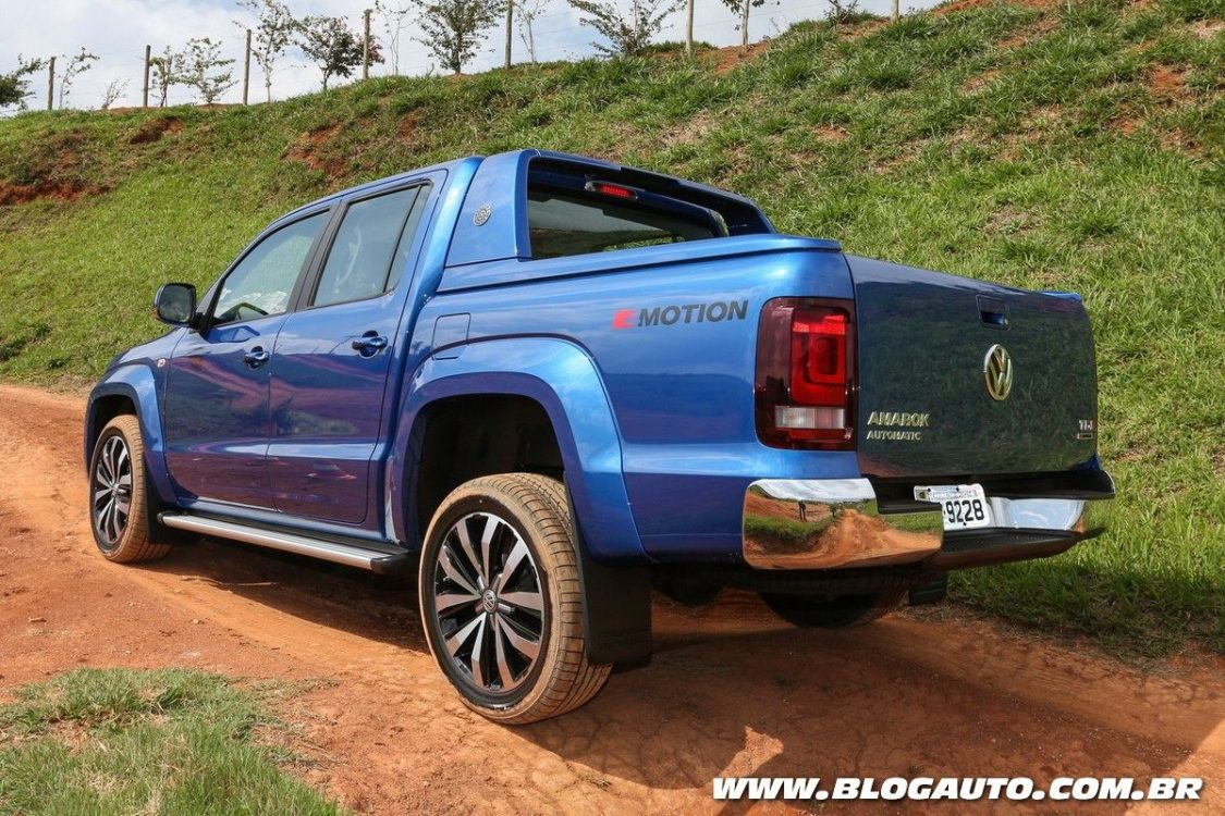 volkswagen amarok 2017 tem novos recursos de seguran a blogauto. Black Bedroom Furniture Sets. Home Design Ideas
