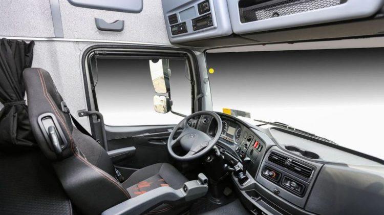 Novo cockpit dos caminhões Mercedes-Benz