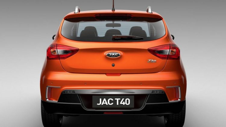 JAC T40 com nova identidade da JAC Motors
