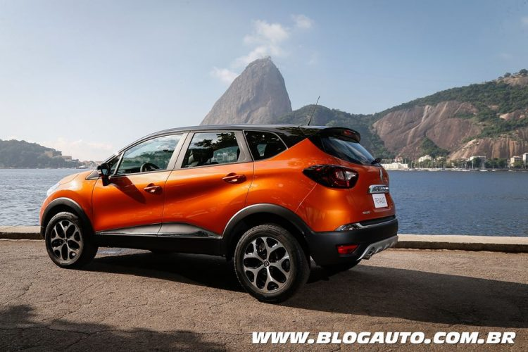 avalia o renault captur 2018 x tronic cvt a vers o que faltava blogauto. Black Bedroom Furniture Sets. Home Design Ideas