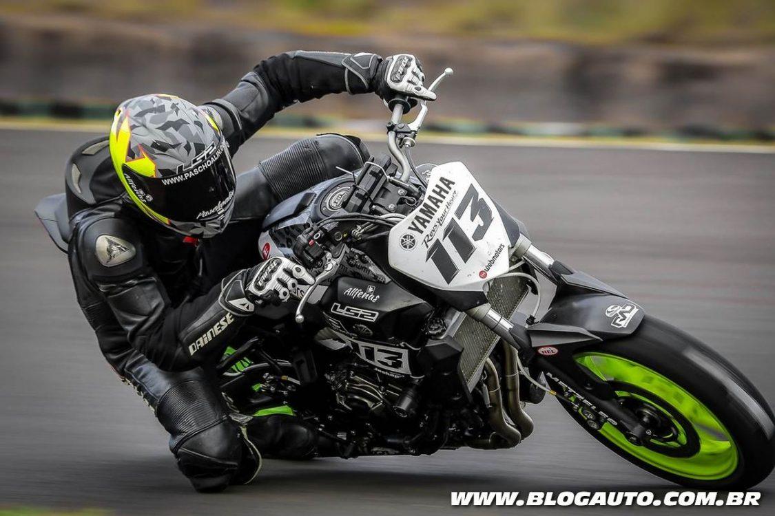 Piloto da Yamaha conquista melhor tempo com MT-07