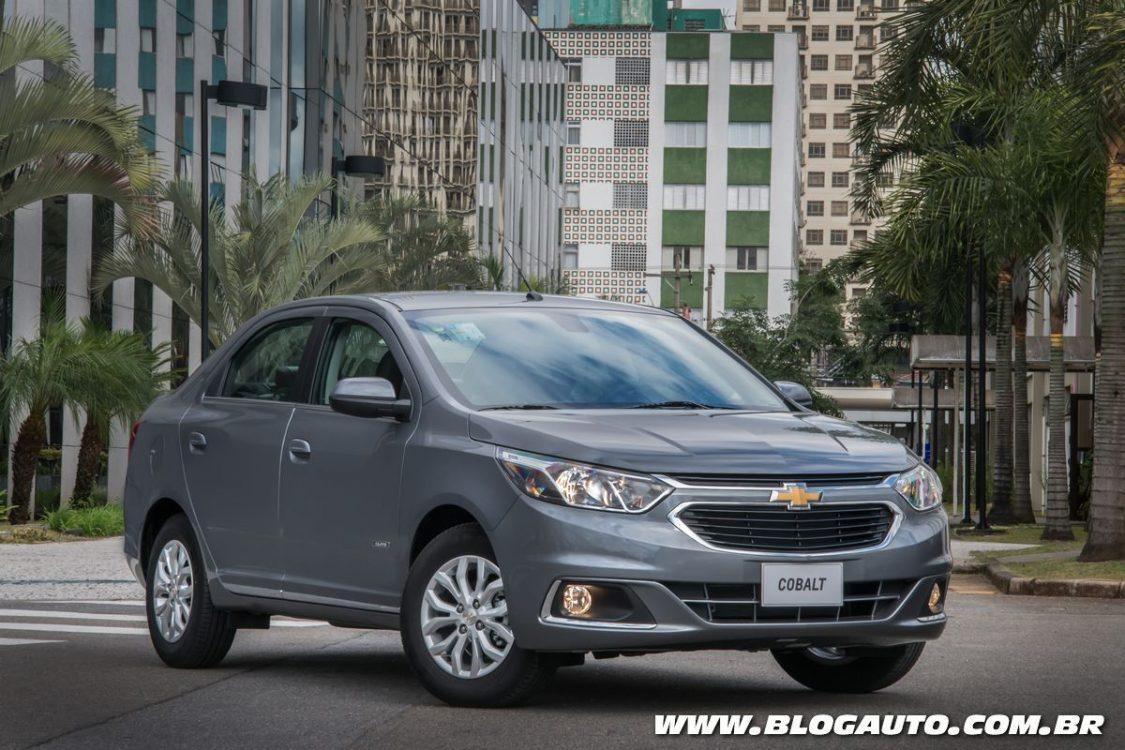 Chevrolet Cobalt 2018 fica mais equipado e caro