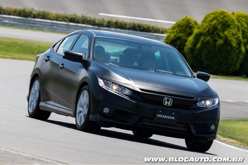Honda Civic com câmbio de dupla embreagem