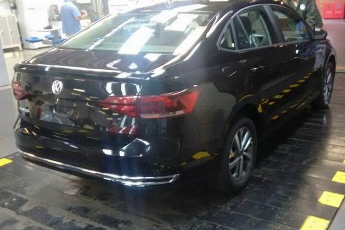 Volkswagen Virtus 2019 revela todas as suas linhas em flagra