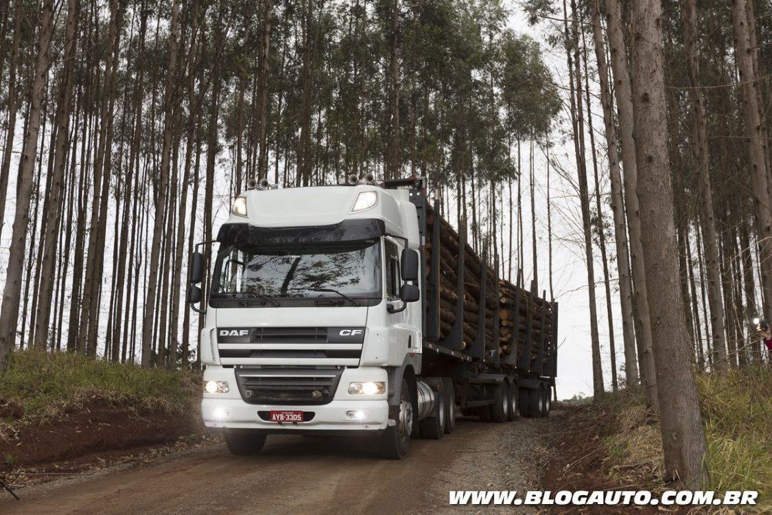 DAF apresenta três novos caminhões na Fenatran