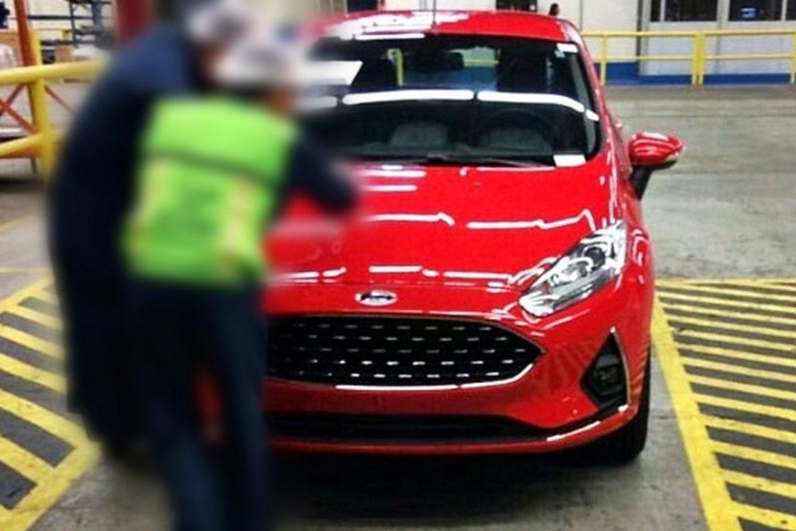 Ford Fiesta 2018 revela seu novo visual em flagra
