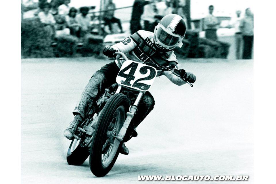 Harley-Davidson Sportster em competição em 1977