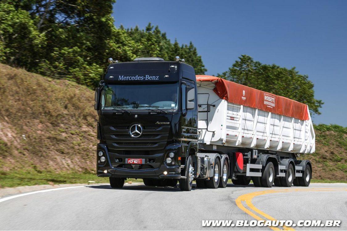 Mercedes-Benz lidera vendas nos caminhões extra-pesados