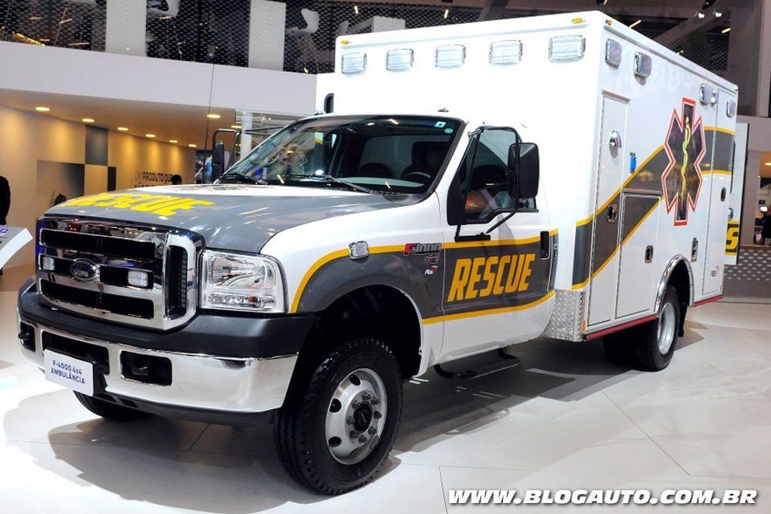 Ford F-4000 4×4 aparece em versão Ambulância e Resgate