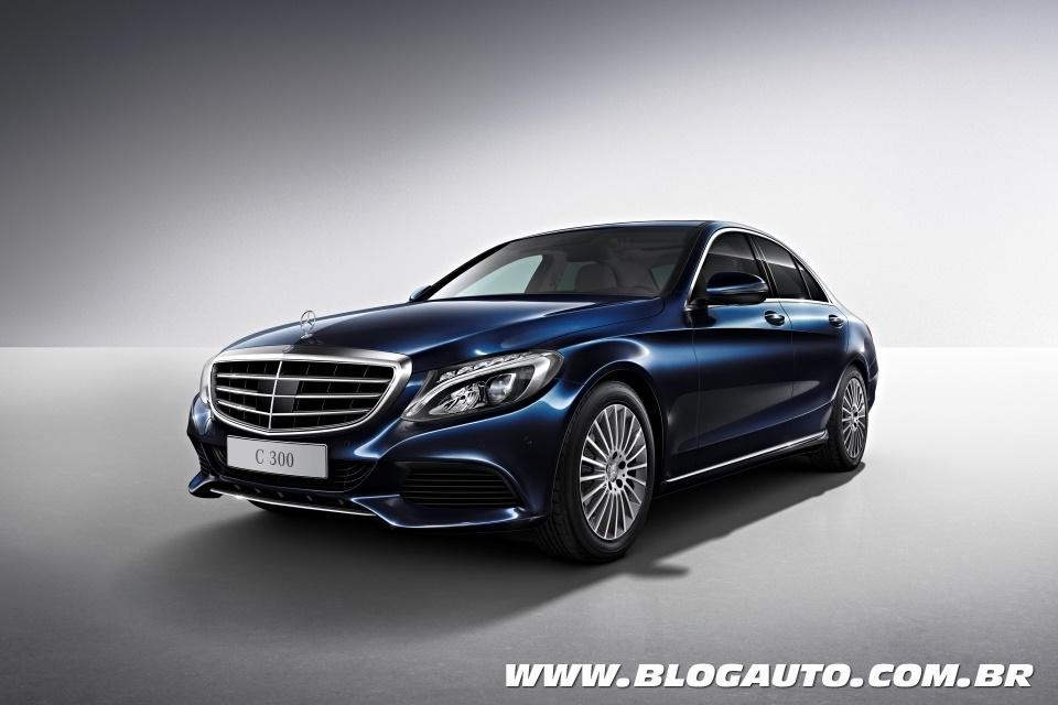 Avaliação: Mercedes-Benz C 300 Anniversary Limited Edition (Vídeo)