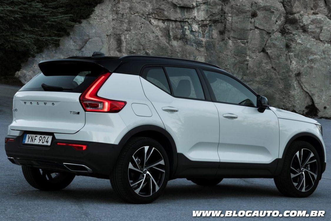 volvo xc40 2018 chega em janeiro partindo de r blogauto. Black Bedroom Furniture Sets. Home Design Ideas