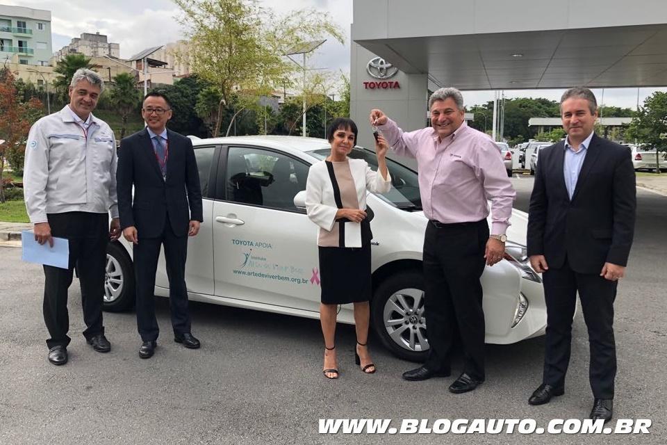 Toyota Prius marca parceria com Instituto Arte de Viver Bem