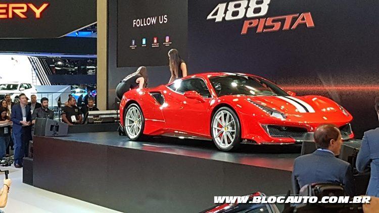 Salão do Automóvel 2018 - Ferrari 488 Pista