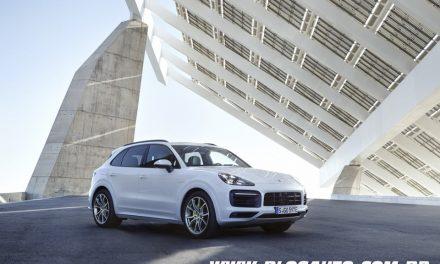 Porsche Cayenne E-Hybrid chega por R$ 435.000