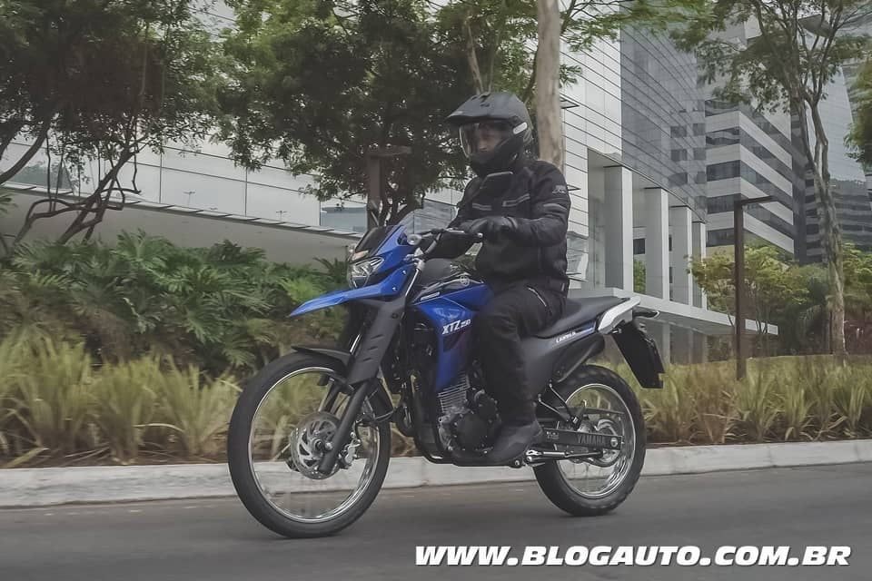 Nova geração da Yamaha Lander ABS chega por R$ 17.590